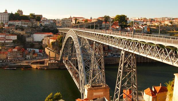 Imagem de Lisboa > Porto